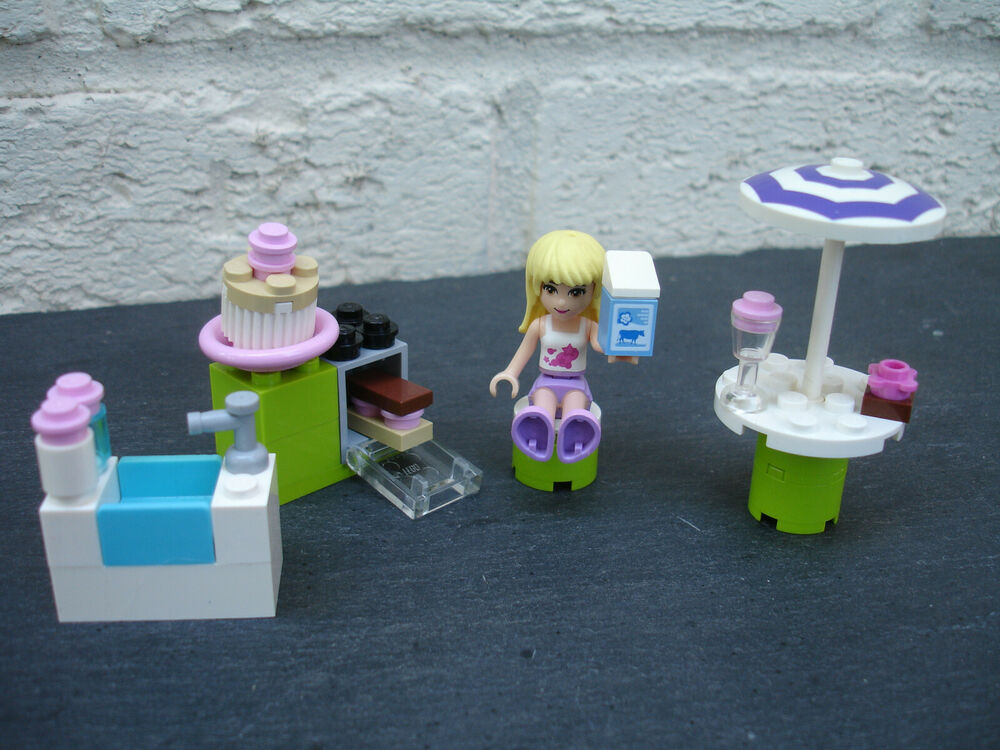 LEGO Friends: Stephanies Outdoor Bakery: () Complete -