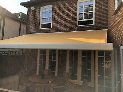 Outdoor Awning, Comes With Remote (Collection Only)