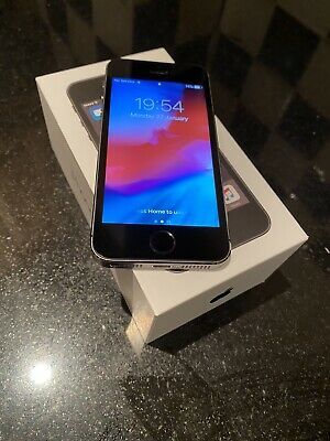 IPHONE 5s 16GB UNLOCKED SPACE GREY WITH 7 DAY WARRANTY