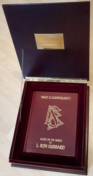 *SIGNED BOOK* What is Scientology? by L Ron Hubbard, A