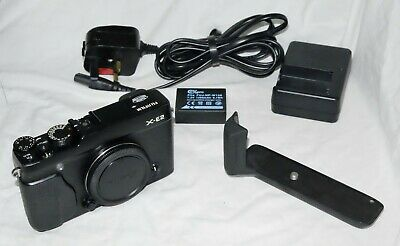 Fujifilm X Series X-E2 - Black Body Only, Hand Grip, Latest