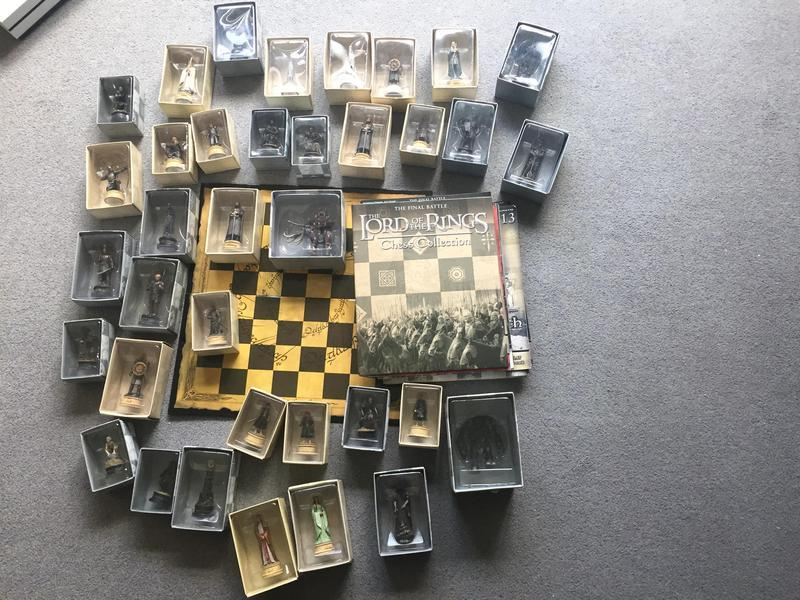 LORD OF THE RINGS Complete Chess Set 1. BRAND NEW, with