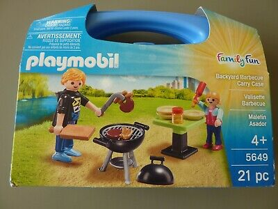 Playmobil  Family Fun Backyard Barbeque With Carry Case