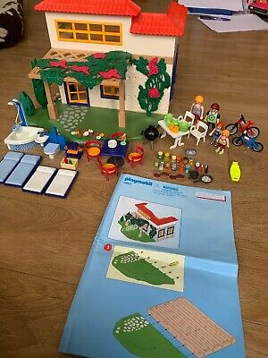 Playmobil  Summer Fun Family Holiday Home Complete Set