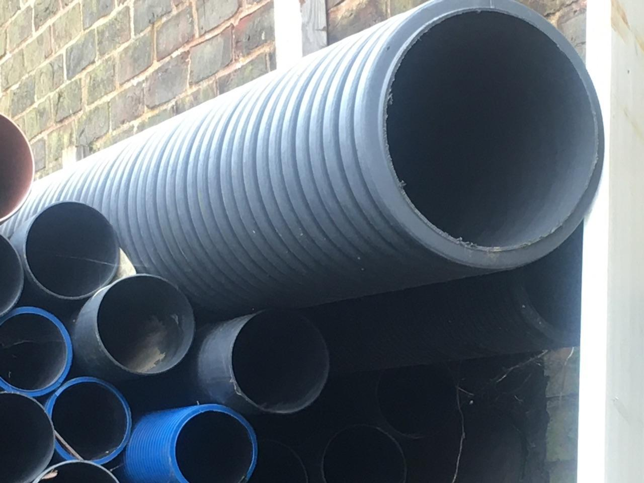 £275 General purpose ducting & pipes job lot. Commercial