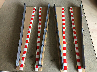 Scalextric - Lead In & Out - Outer Borders & Barriers X 4