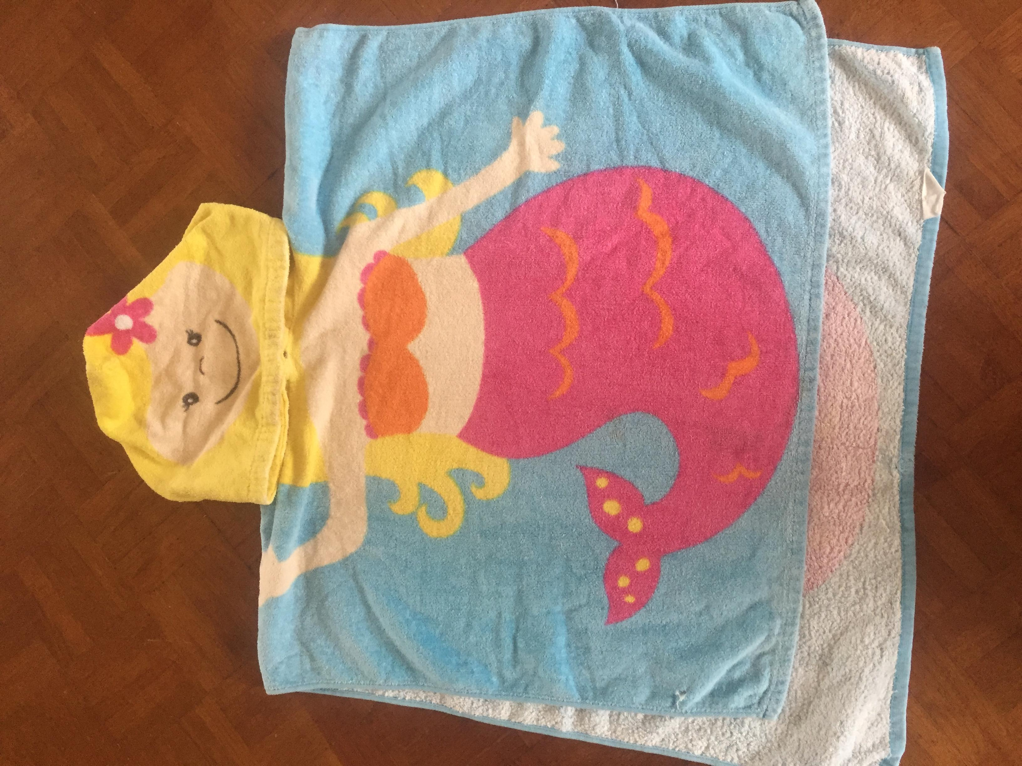 Beach towel - 2 to 6 years old. Calls only