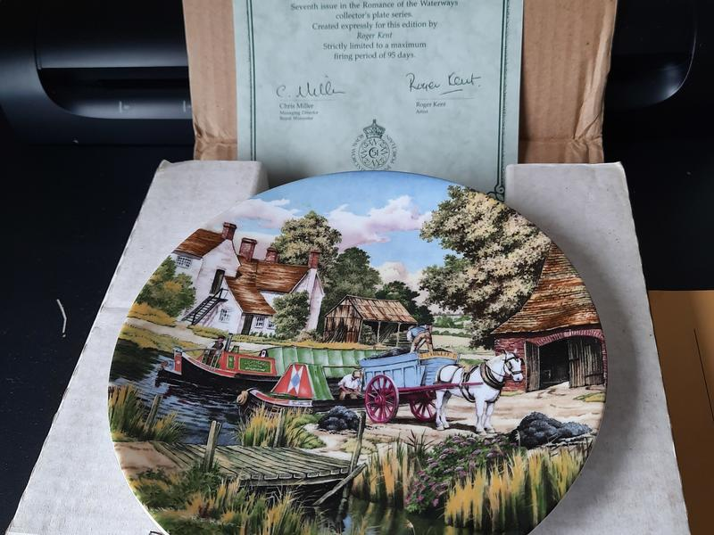 Royal Doulton / Royal Worcester Vintage 7 Plate Collection