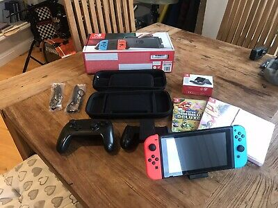 Nintendo Switch 32 GB Neon Blue With games and controller