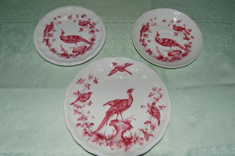 Beautiful Rare Spode Chelsea Birds in Red part Dinner