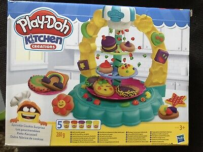 Play-Doh Kitchen Creations Sprinkle Cookie Surprise Play