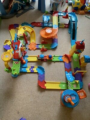 Vtech Toot-Toot Drivers Deluxe Fire Station Train Station