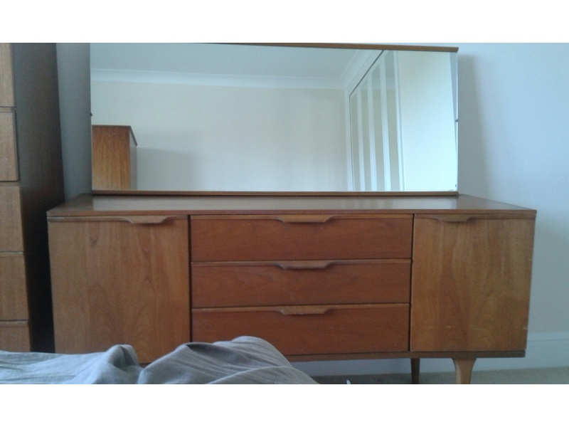 Chest of draws and Dressing table