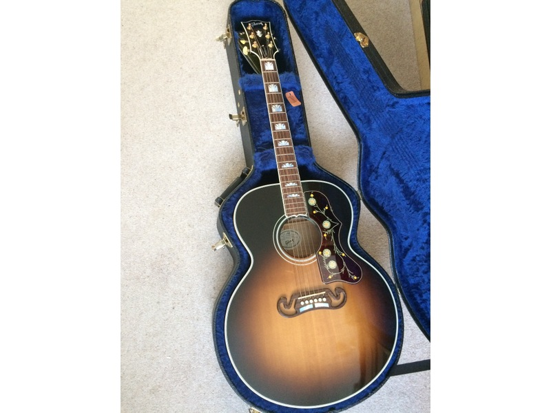 Gibson SJ200 Acoustic Guitar. AS NEW Seel or swap for Gibson