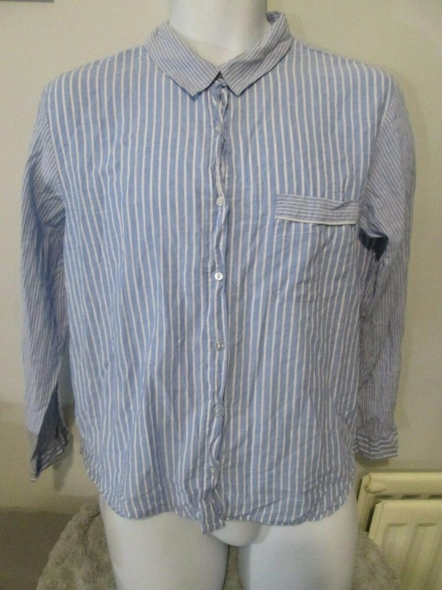 H&M - Blue,White Striped Long Sleeved Shirt Size M