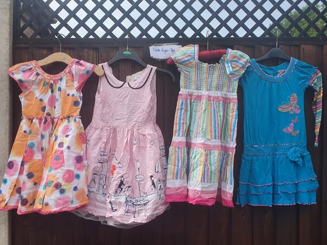 Girls aged 6-7 large quality bundle of clothes
