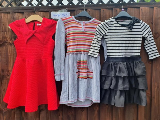 Girls aged 9- 10 large quality bundle of clothes