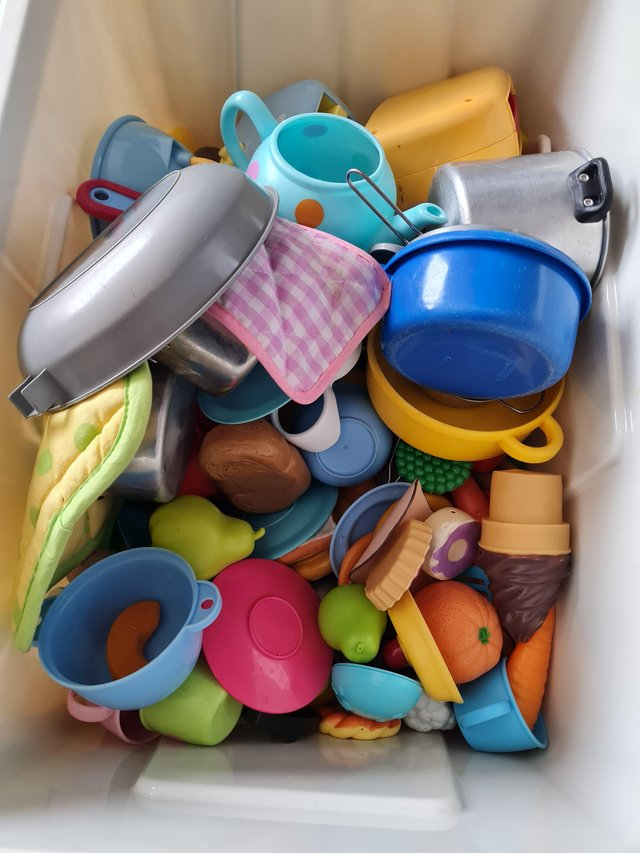 Loads of play food and accessories