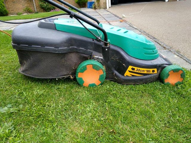 Black and Decker electric rotary lawn mower